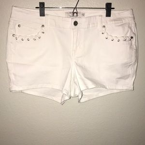 Brand New torrid White Denim Jean Shorts Womens 16